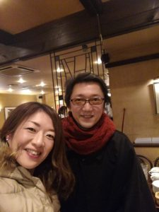 重要無形文化財、能楽師でおられる山中迓晶さんと笑顔の中村明日香。