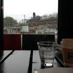 松島海岸駅前のカフェのコーヒー。電車を待っている間。