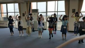 子供たちのダンスリハーサル風景