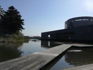 東北歴史博物館と屋外水上能舞台