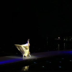 【東大寺と東北展】関連イベント『多賀・光の多面体』山口女王役@東北歴史博物館屋外水上能舞台 演出・振付・出演(山口女王)。橋掛りでの舞。