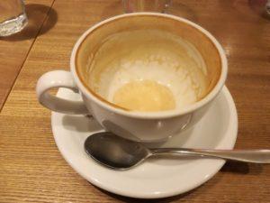 飲み干したカフェラテ、、。