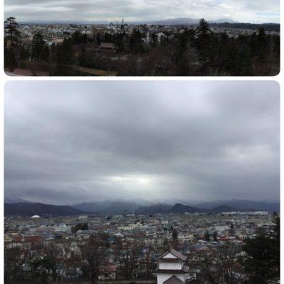 鶴ヶ城天守閣から城下町を見下ろす