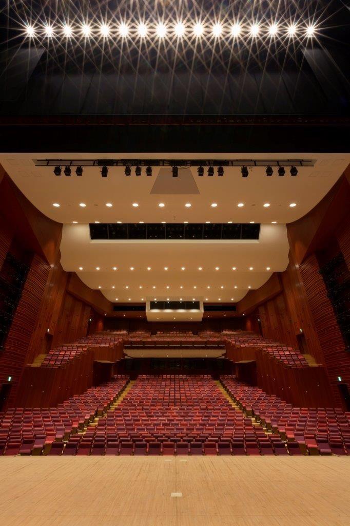 コミネス大ホール
