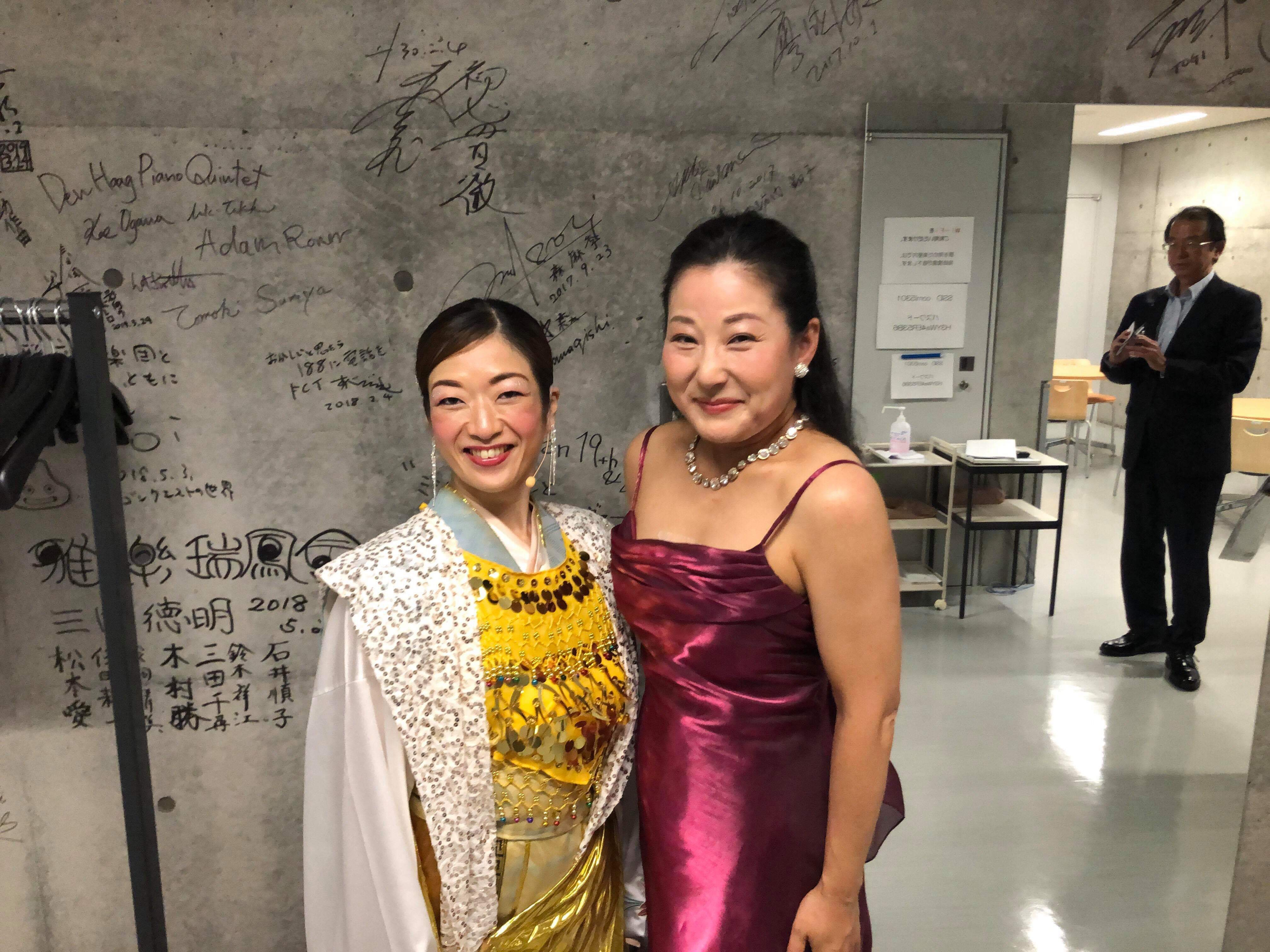 美奈子さんと楽屋前で。